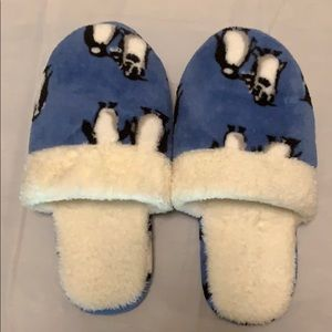Vera Bradley Playful Penguin Blue Slippers